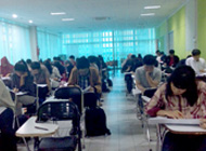 インドネシア大学<br>選抜試験風景